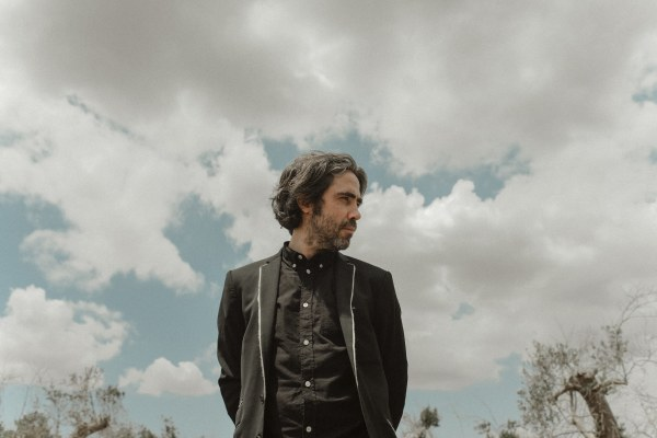 "Patrick Watson debuts live video of ""Look At You""; on tour now"