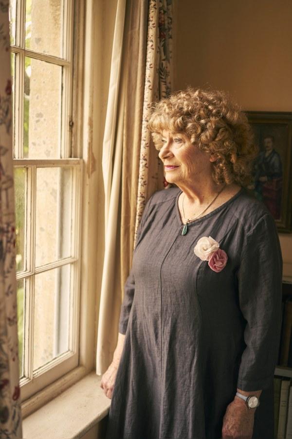 Shirley Collins annonce son nouvel EP 'Crowlink' disponible le 30.07