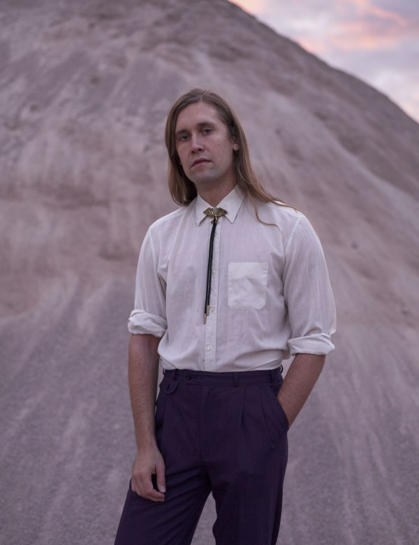 Jaakko Eino Kalevi shares two new videos