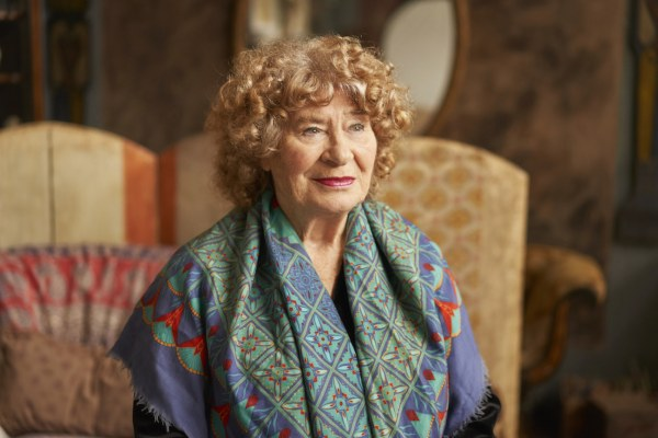 Shirley Collins annonce son single de Noël sur flexi-disc