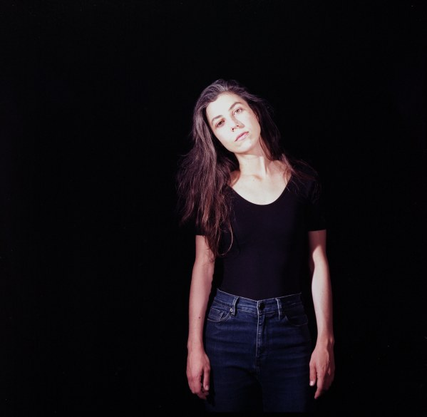 Julia Holter announces new album 'Aviary'