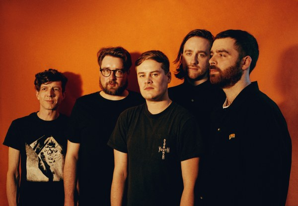 Hookworms share new track 'Each Time We Pass'