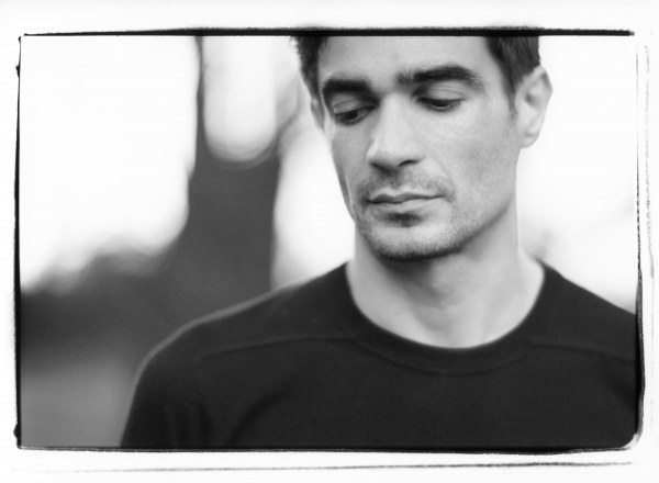 "Jon Hopkins shares cover of Thom Yorke's ""Dawn Chorus"""
