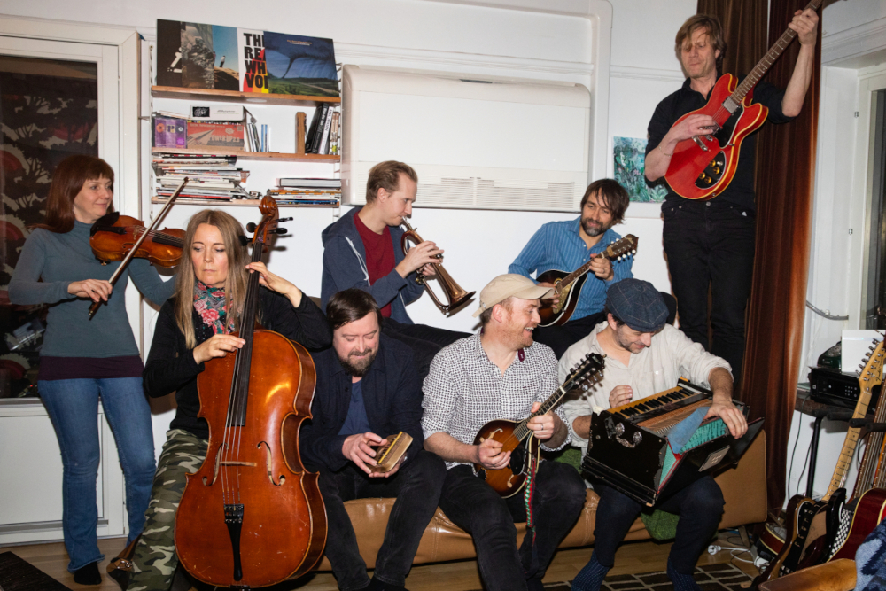 James Yorkston and The Second Hand Orchestra sortiront The Wide, Wide River le 22 janvier