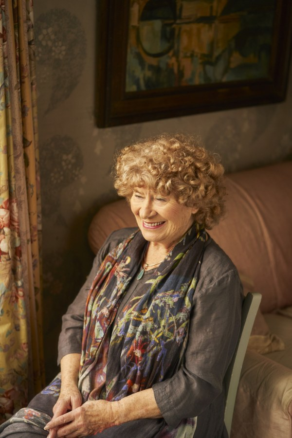 "Shirley Collins unveils new song ""Barbara Allen"""