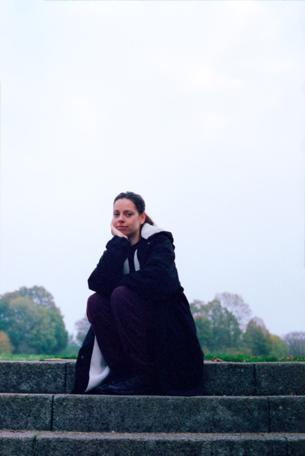 "Tirzah shares new single, ""Send Me"""