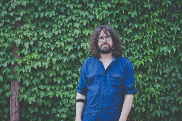 Watch video for Lou Barlow's The Breeze