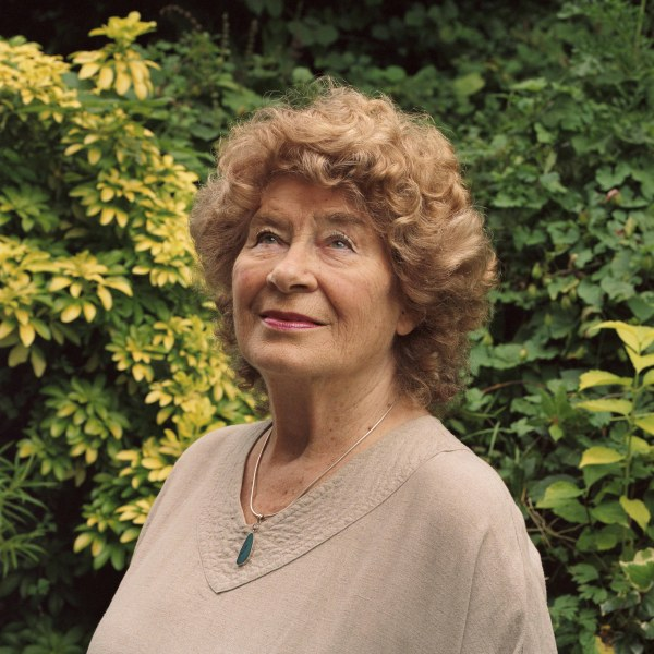 Shirley Collins shares Old Johnny Buckle plus performance at BBC Radio 2 Folk Awards